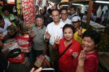 Blusukan ke Pasar, Anies: Kami Akan Menurunkan Harga Sembako