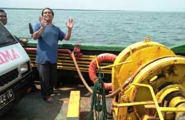 Tak Bisa Bayar Ongkos, Penumpang Kapal Lompat ke Tengah Laut