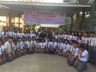 Serahkan Bantuan Indonesia, Menlu Retno Bergerak ke Rakhine