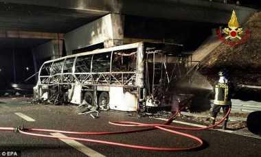 Korban Tewas Kecelakaan Bus Pelajar Asing di Italia Jadi 16 Orang