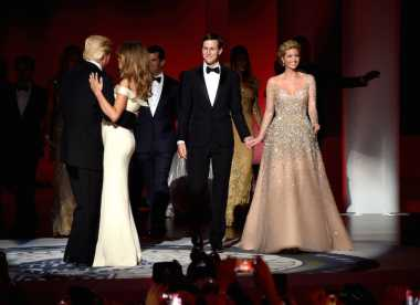 Inaugural Ball, Ivanka Trump Tampil Cantik Bak Putri Kerajaan