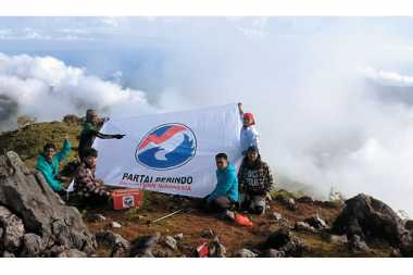 Pemuda Perindo Akan Tancapkan Bendera Perindo di Gunung Bukit Raya