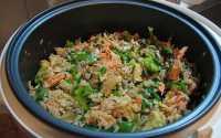 TOP FOOD 1: Restoran Tidak Sediakan Nasi, Pengunjung Selundupkan <i>Rice Cooker</i> dari Rumah