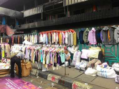 Api di Pasar Senen Padam, Pedagang Mulai Kembali Berjualan