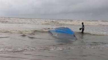 Perahu Terbalik di Malaysia Tewaskan Sembilan WNI