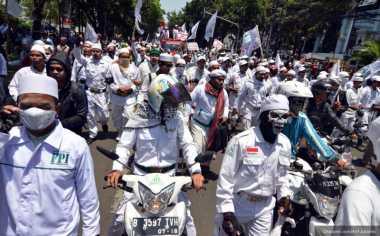 "Kawal Pemeriksaan Habib Rizieq, Massa FPI Siap ""Kepung"" Polda Metro"