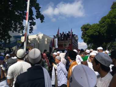 Massa Aksi Bergerak Menuju Mapolda Metro Jaya