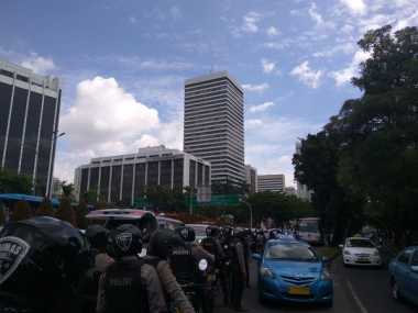 Long March, Massa FPI Lawan Arah di Bundaran Senayan