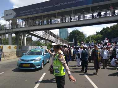 Pemeriksaan Habib Rizieq, Jalur Lambat Sudirman Ditutup