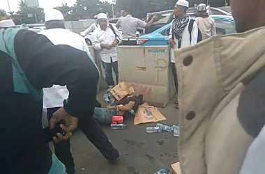 Jajakan Minuman di 'Aksi Bela Ulama', Pria Ini Terserempet Bus Transjakarta