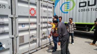 Dua Kontainer Surat Suara Pilgub DKI Tiba di Pelabuhan Tanjung Priok