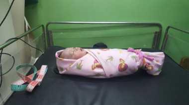 Bayi Perempuan Terbungkus Tas Ditemukan di Pondok Aren