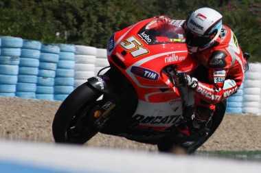 Test Rider Ducati Tak Sabar Jajal Desmosedici di Sepang