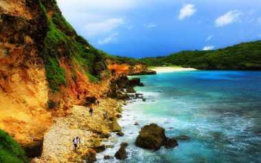 TOP TRAVEL: Pantai Tanjung Bloam, Spot Pantai Indah Terbaru di Lombok