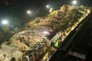 VIDEO: China Robohkan 19 Gedung dalam 10 Detik