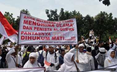 Massa GNPF MUI Tetap Setia Kawal Sidang Ahok