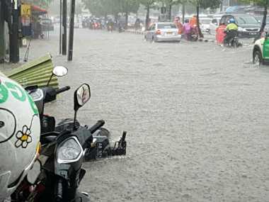 Banjir di Yogyakarta, Pengendara Motor Kelimpungan