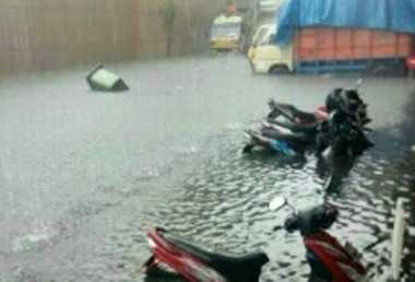 Diguyur Hujan, Banjir dan Pohon Bertumbangan di Yogyakarta