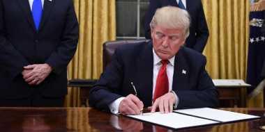 Penuhi Janji, Trump Perintahkan Percepatan Pembangunan Infrastruktur