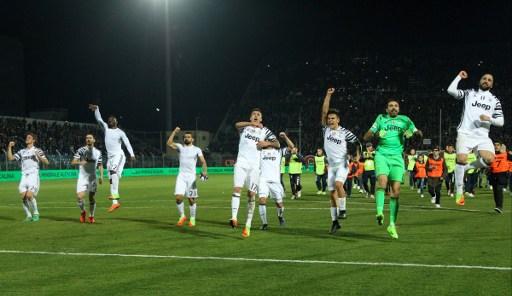 Juventus Bungkam Crotone 2-0 di Stadio Ezio Scida