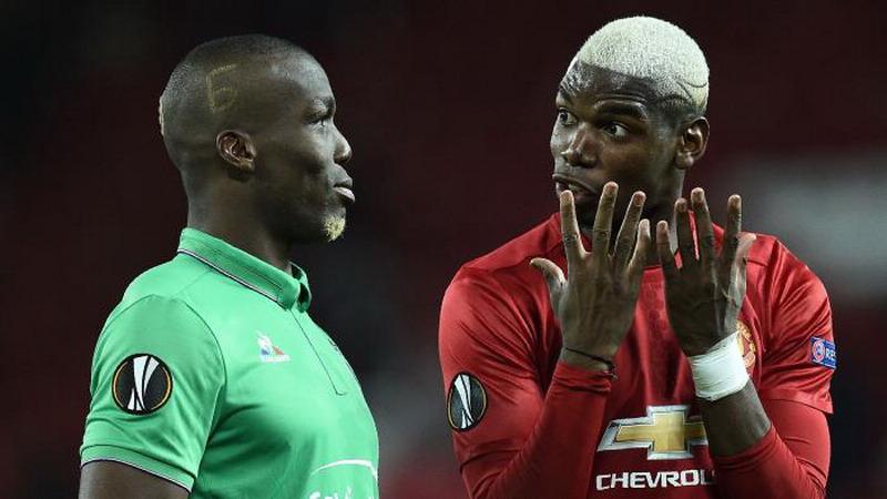 Kebanyakan Ngobrol dengan sang Kakak di Lapangan, Pogba Dikritik Legenda Manchester United