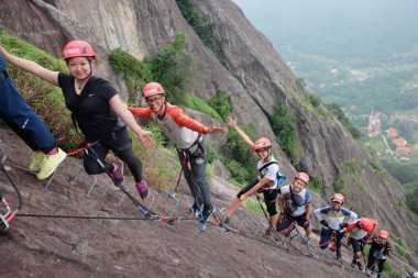 Ingin Panjat Tebing via Ferrata di Purwakarta, Enaknya Pilih Jalur Mana?