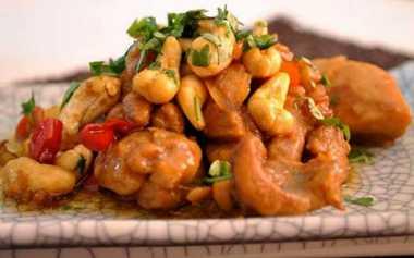 Resep Bebek Tumis Kacang Mede Goyang Lidah