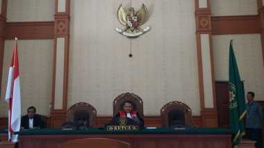 Hakim Kabulkan Permohonan Pencabutan Praperadilan Munarman