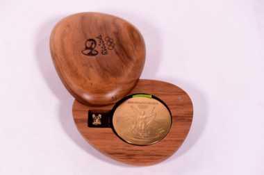 Unik! Ingin Ramah Lingkungan, Medali Olimpiade Tokyo 2020 Terbuat dari Telefon Genggam