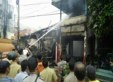 Kompor Meledak saat Memasak, Ruko di Pamekasan Ludes Terbakar