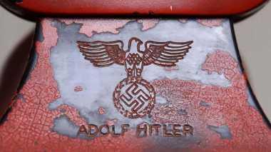 Dilelang, Telefon Adlof Hitler Laku Terjual Rp1,3 Miliar