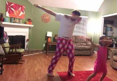 VIDEO: KEREN! Ini Jadinya Kalau Ayah dan Anak Menari Bareng