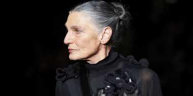 Keren! Nenek 73 Tahun Jadi Model di Fashion Show Bergengsi