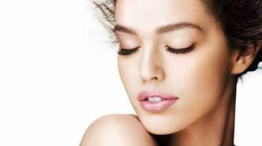 Cara Membuat Bibir Cerah Alami