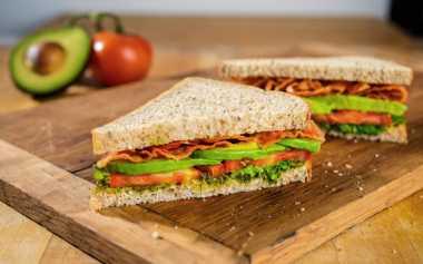 Malas Masak, Makan Sandwich Isi Komplit Yuk