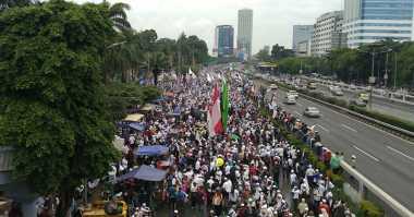 Massa Aksi 212 Berteriak di DPR: Penjarakan Ahok!!!