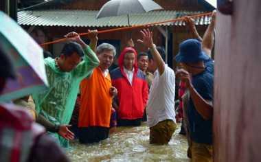 JAKARTA BANJIR: Anies Baswedan Imbau Relawan Ikut Bantu Korban Banjir Jakarta