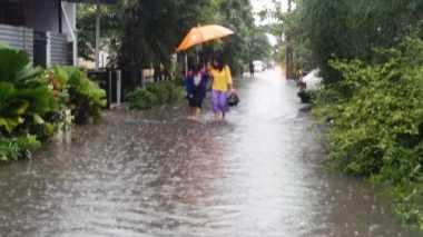 Hujan Sejak Subuh, Perumahan Galaxy Bekasi Banjir