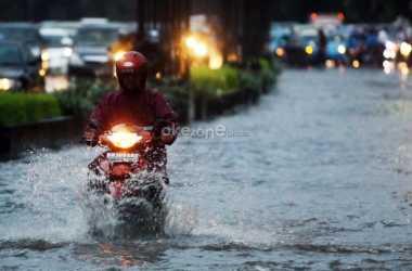 JAKARTA BANJIR: BNPB Sebut Banjir Disebabkan Drainase Jakarta yang Buruk