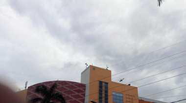 Helikopter Terbang Rendah di Titik Banjir Jakarta Timur