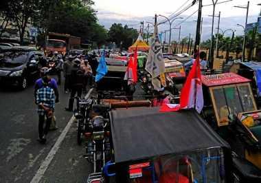 Protes Keberadaan Ojek Online, Penarik Betor di Medan Lakukan Sweeping