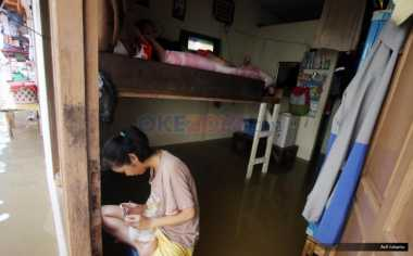 Perabot Rumah Terkontaminasi Air Banjir, Waspada Gangguan Saluran Pernapasan