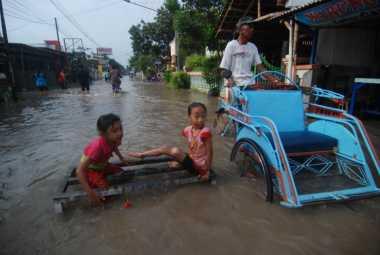 Belum Ada Bantuan, Korban Banjir di Kota Mojokerto Kelaparan