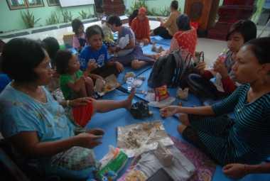 Banjir di Mojokerto Capai 1,3 Meter, Ratusan Warga Mengungsi ke Kantor Camat