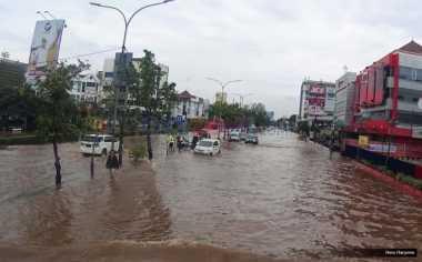 FOKUS: Tantangan yang Dijawab Tuhan dan Mitos Banjir Lima Tahunan