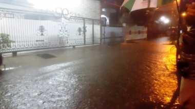 Baru Juga Hujan, Komplek di Duren Sawit Kebanjiran