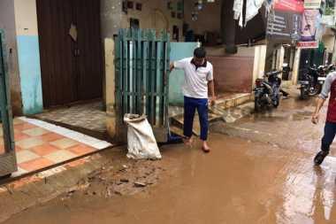 Derita Warga Cipinang Melayu Setelah Banjir Surut