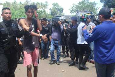 Aksi Blokir Jalan, 29 Pendukung Paslon Bupati Morotai Diamankan Polisi