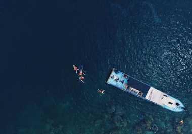 Birunya Pulau Dolphin Buat Anda Tak Percaya Ini Ada di Jakarta