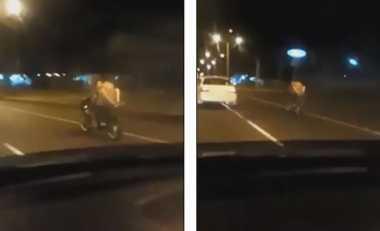 Nyaris Telanjang, Pasangan Muda Ini Mesum di Motor yang Berjalan